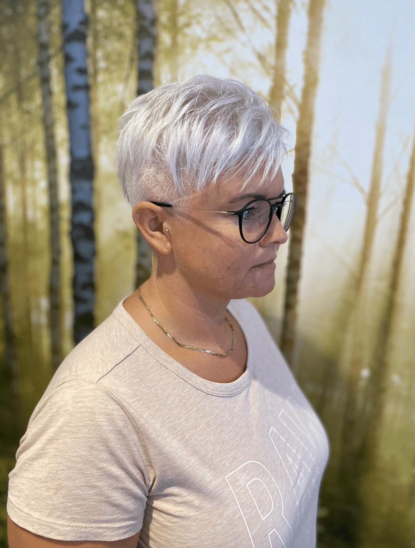 kort frisure dame - lyst (1)